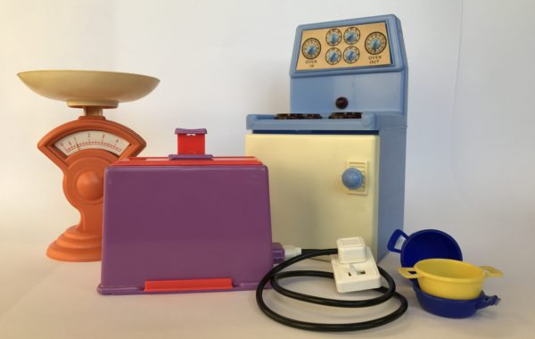 Showing sample of 50s plastic toys